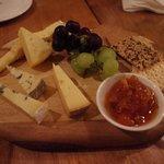 Un tagliere di formaggi tipici irlandesi