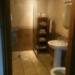 immaculate bathroom downstairs