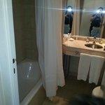 Banheiro, com a cortina
