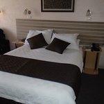 Nice linen, comfy bed