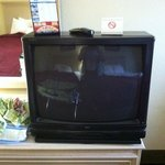 tv and 2 drawer dresser