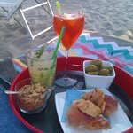 aperitivo sotto l'ombrellone