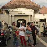 Di depan Benteng Vredeburg Jogjakarta