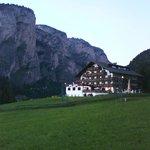 Altra pittoresca immagine dell'Hotel Alaska nel verde