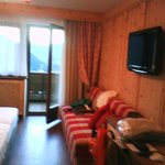 Particolare della camera , con TV 32 pollici