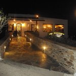 O Mitsos Taverna Syros - Entrance