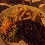 """Un """"hamburger"""" selon ce restaurant.. très déçu !"""