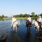 Passeggiata a cavallo lungo il fiume Tronto con i ns amici Cechi