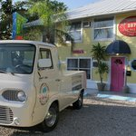 Photo de Hideaway Sandy Beach Motel