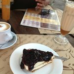 My order:Blueberry cheese cake, Caramel Machiatto * cafe' latte fr him