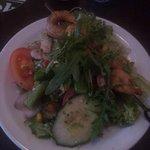 Salade d'asperges vertes et crevettes grillées