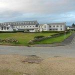 Kinloch Hotel from shore road