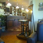 point de jonction salon-bar-salle à manger IBIS Pessac