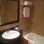 Bath/Shower Combo - but no bath plug so shower only