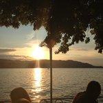 Sonnenuntergang im Biergarten der Sonne.