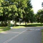 il parco di fronte all'hotel
