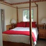 Double bed (bedroom 2)