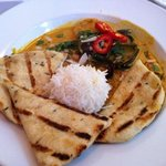 Seafood curry with Naan