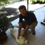 io e Mariotto.....il cane vero gestore del B&B ;-)