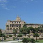 El palacio y su entorno.