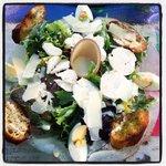 Salade Caesar Poulet et Toasts au Pesto