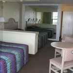 Sleep six unit bedroom (two queen beds)
