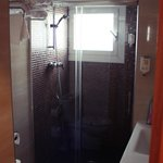 Bathroom in 208 suit (душ в 208 номере)