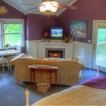 Better than a hotel room in Waco, TX, The Shenandoah Suite at the Bed And Breakfast on White Roc