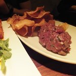 The most fantastic venison tartare with homemade chips!