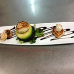 Pan-seared scallops with black pudding and apple