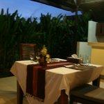 빌라 내 테이블