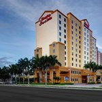 ‪Hampton Inn & Suites by Hilton - Miami Airport / Blue Lagoon‬