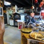 Présentoir des tartes et four pour les spécialités Highlans