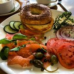 bagel, smoked salmon, capers, tomato, onion and chive cream cheese