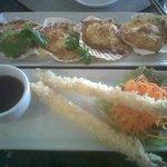 Spicy baked Peruvian scallops & Tempura prawns