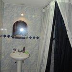Bagno Casona Solar con telo doccia blu notte