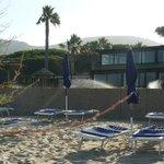 il ristorante visto dalla spiaggia