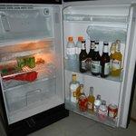 холодильник достаточно вместителен для такого ужина-)
