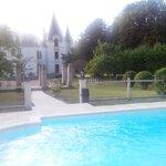 Château et piscine