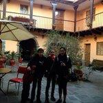 patio del hostal Qorichaska