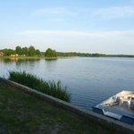 Lac d'azur en journée