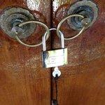 Fermeture de chambre avec un cadenas !!!!!!