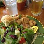 1/2 ln scallops & salad