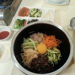 riz aux légumes variés boeuf et oeuf.