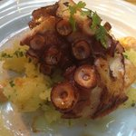 Roasted octopus with mashed potatoes