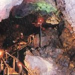 cerca de nuestros Bungalows se encuentran las Cuevas Volcánicas. Un paseo para realizar
