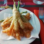 Perfect tempura (courgette flower)