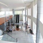 Interior del centro de exposiciones