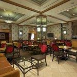 Executive Lounge M