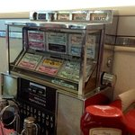 tableside jukebox... very cool!!